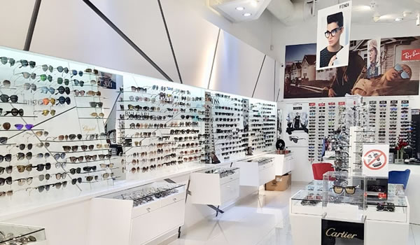 Ophthalmic Opticians
